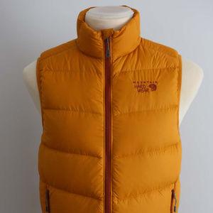 NWOT Mountain Hardwear Men's down vest M yellow